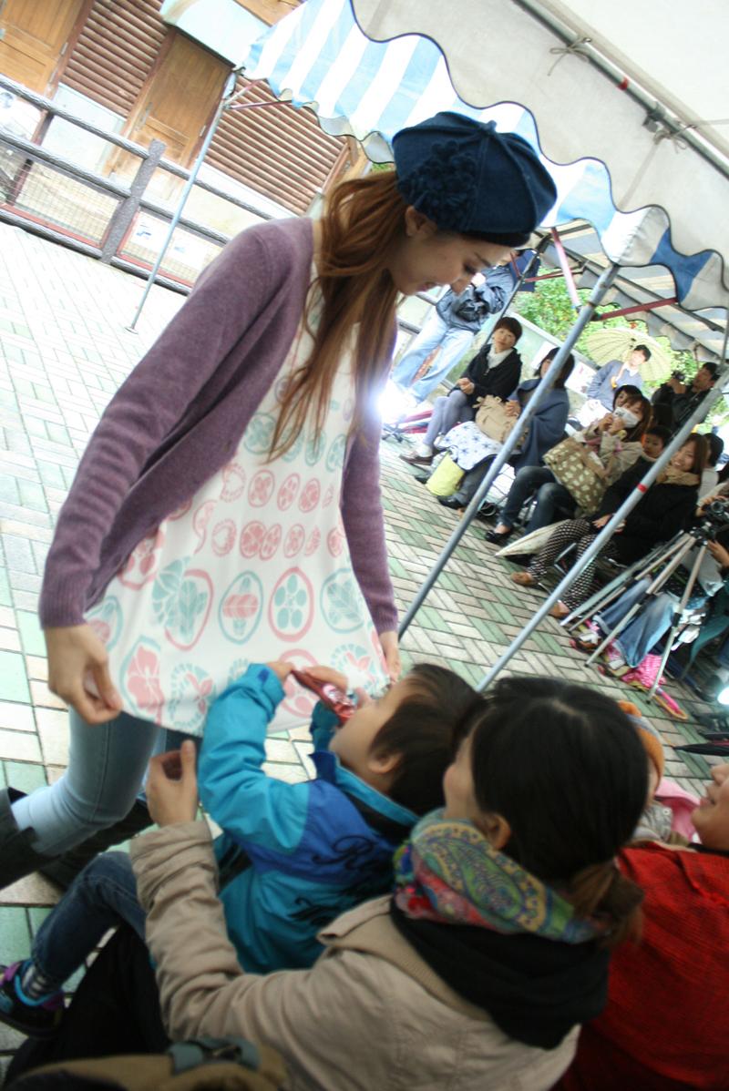 【掲載情報】ヒロシマの折り鶴を洋服に