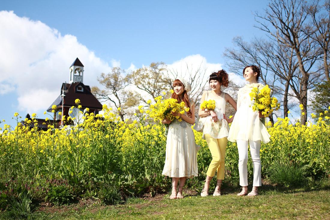 【GWイベント】菜の花畑が式場!人前式スタイルの模擬結婚式