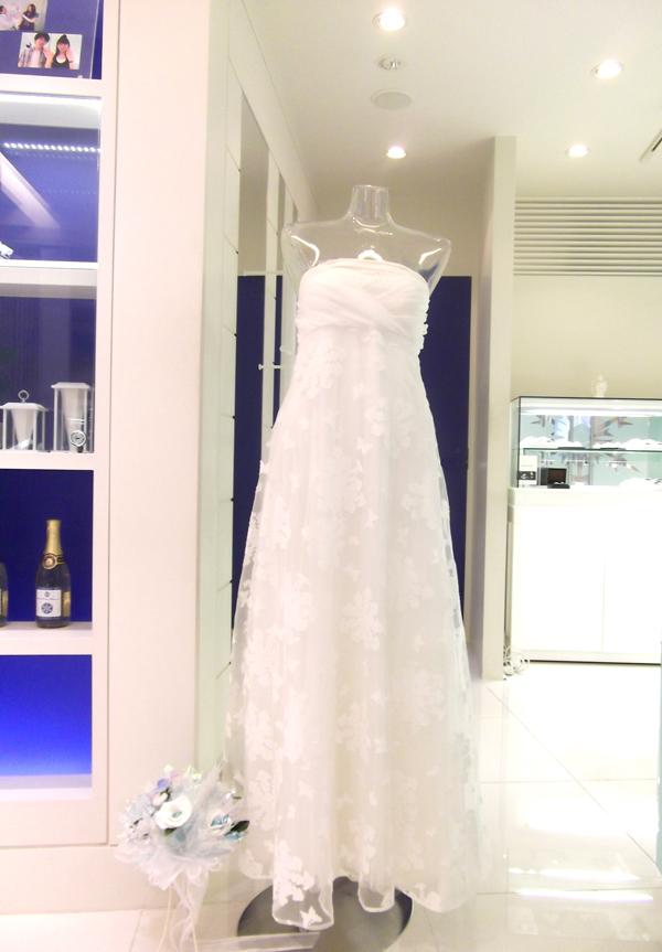 結婚指輪•婚約指輪の銀座店「スノープレシャスダイヤモンド」にエコマコドレス展示中